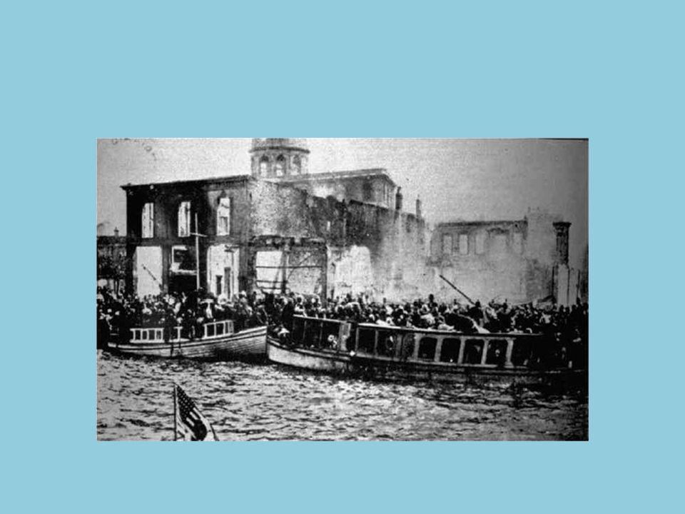 Με τον όρο Μικρασιατική καταστροφή[1] περιγράφεται περισσότερο η τελευταία φάση της Μικρασιατικής εκστρατείας, δηλαδή το τέλος του ελληνοτουρκικού πολέμου του 1918-22 , η φυγή από την Τουρκία της ελληνικής διοίκησης, που είχε εγκατασταθεί στα δυτικά μικρασιατικά παράλια, στη Σμύρνη, κατά τη Συνθήκη των Σεβρών, (αμέσως μετά την ανακωχή του Μούδρου), όπως και η σχεδόν άτακτη υποχώρηση του ελληνικού στρατού μετά την κατάρρευση του μετώπου και η γενικευμένη πλέον εκδίωξη μεγάλου μέρους τους ελληνικού και χριστιανικού πληθυσμού από τη Μικρά Ασία, που είχε όμως ξεκινήσει πολύ νωρίτερα (δείτε σχετικά Συνθήκη του 1914, που είχε συνομολογήσει ο Ελευθέριος Βενιζέλος) και που είχε διακοπεί με την ανακωχή του Μούδρου .